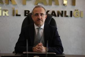 AK Parti İzmir İl Başkanlığında olağan kongrenin ardından yeni görev dağılımı yapıldı. AK Parti İzmir İl Başkanı Kerem Ali Sürekli, açıklama yaptı.  ( AK Parti - Anadolu Ajansı )
