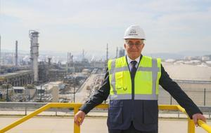 Türkiye'nin tek noktaya yapılmış en büyük yatırımlarından olan STAR Rafineri, tam kapasiteyle faaliyete geçtiği 2019'daki üretim rakamlarıyla petro-kimya ham maddesi nafta ve önemli bir kısmı yurt dışından sağlanan dizel ithalatını düşürerek dış ticaret açığının azaltılmasına 800 milyon dolarlık katkı sağladı. STAR Rafineri Genel Müdürü Mesut İlter, 2018'in ekim ayında açılan rafineride üretim aşamalarının geçen yıldan itibaren birer birer devreye alındığını söyledi. ( Mehmet Emin Mengüarslan - Anadolu Ajansı )