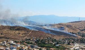 İzmir'in Urla ve Aliağa ilçelerinde otluk alanlarda çıkan yangınlar kontrol altına alındı. Aliağa ilçesi Çaltılıdere mevkisinde bulunan orman dışı otluk alanda çıkan yangını söndürme çalışmalarına da 1 helikopter ve 6 arazöz katıldı. ( İzmir Orman Bölge Müdürlüğü - Anadolu Ajansı )