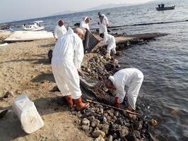 İzmir Çevre ve Şehircilik İl Müdürü Ömer Albayrak, 2020 yılında kent genelinde çevreyi kirlettikleri belirlenen 109 firmaya toplam 10 milyon 282 bin lira para cezası uygulandığını söyledi.  ( İzmir Çevre ve Şehircilik Müdürlüğü - Anadolu Ajansı )