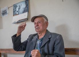 Türkiye Cumhuriyeti'nin kurucusu Gazi Mustafa Kemal Atatürk'ü, atlı askerleriyle mola verdikleri köylerinde görme imkanı bulan İzmirli 94 yaşındaki Hüseyin Ali Oğan, o anı hala unutamıyor. ( Halil Fidan - Anadolu Ajansı )