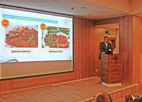 Bergama Ticaret Odası (BERTO) Başkanı Fikret Ürper, Bergama Organize Sanayi Bölgesindeki doluluk oranının yüzde 82'ye ulaştığını bildirdi. Fikret Ürper, Bergama Ticaret Odası Toplantı Salonunda düzenlediği basın toplantısında 1 yıllık çalışmalarını anlattı.  ( Mehmet Ezgin - Anadolu Ajansı )