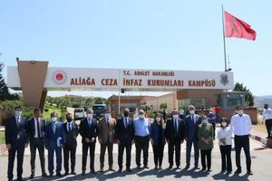 TBMM İnsan Haklarını İnceleme Komisyonu Hükümlü ve Tutuklu Haklarını İnceleme Alt Komisyonu üyeleri, İzmir'deki ceza ve tevkifevlerinde incelemelerde bulundu. ( Tezcan Ekizler - Anadolu Ajansı )