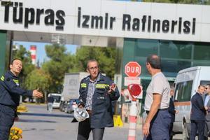 Tüpraş İzmir Rafinerisi'nde patlama meydana geldi, olayda 4 kişi hayatını kaybetti, 2 kişi yaralandı. ( Emin Mengüarslan - Anadolu Ajansı )