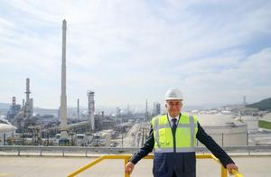 SOCAR Türkiye iştiraki STAR Rafinerinin Genel Müdürü Mesut İlter (fotoğrafta), SOCAR'ın Türkiye'de yapacağı yeni petrokimya yatırımı için ilk kazmayı 2020 sonu 2021 başı gibi vurmayı düşündüklerini ve tesisi 2024 yılında tamamlamayı hedeflediklerini belirtti. ( Mehmet Emin Mengüarslan - Anadolu Ajansı )