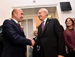 CHP Genel Başkanı Kemal Kılıçdaroğlu, İzmir Büyükşehir Belediye Başkanı Tunç Soyer ve Millet İttifakı'nın İzmir ilçe belediye başkanları ile bir araya geldi. ( CHP - Anadolu Ajansı )