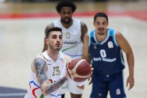 ING Basketbol Süper Ligi'nin 29. haftasında Aliağa Petkimspor ile Türk Telekom karşılaştı. Aliağa Petkimspor'da Canberk Kuş (23) maçta forma giydi. ( Lokman İlhan - Anadolu Ajansı )